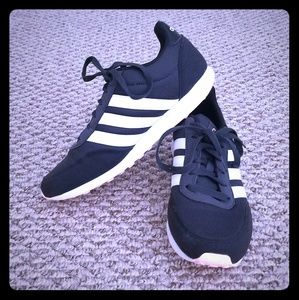 Casusl Adidas sneakers size 8